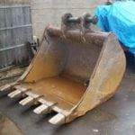 heavy-digger-bucket-repairs-2